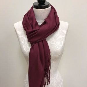 NWT Pashmina Holly Solid Scarf